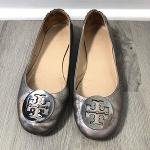 Tory Burch Travel Logo Minnie Flat Gunmetal 6.5 M